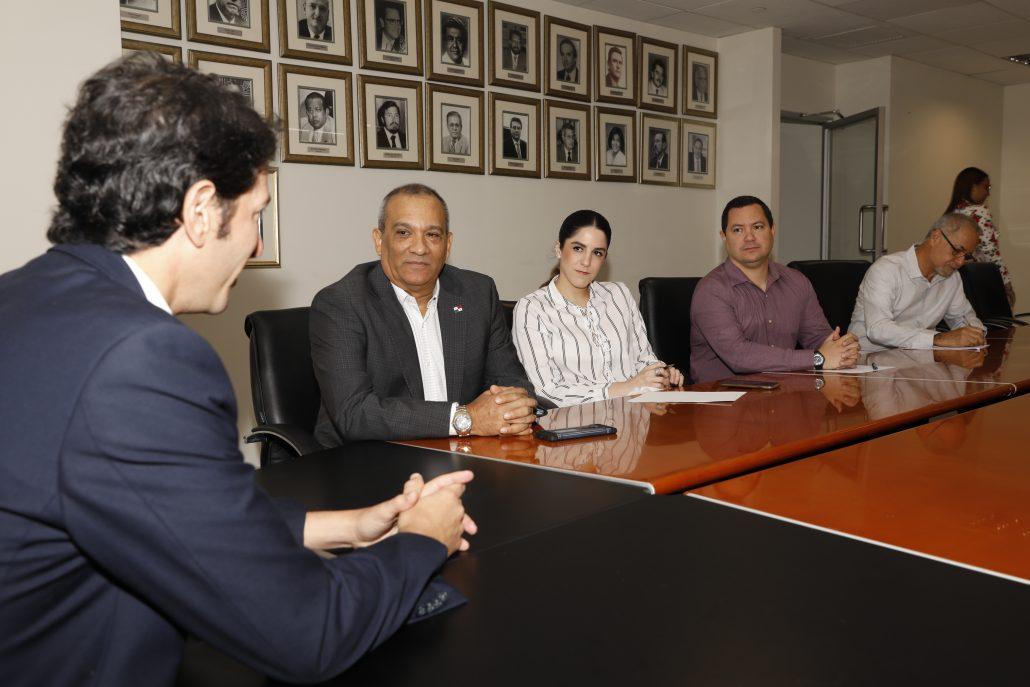 14 08 2019 reunion con ministro de turismo 12 1030x687